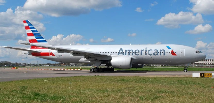 An American Airlines 777-200.