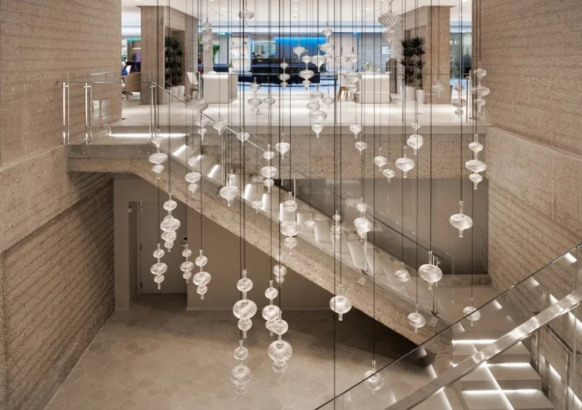 The general lobby area of the NH Collection Eurobuilding in Madrid, Spain.