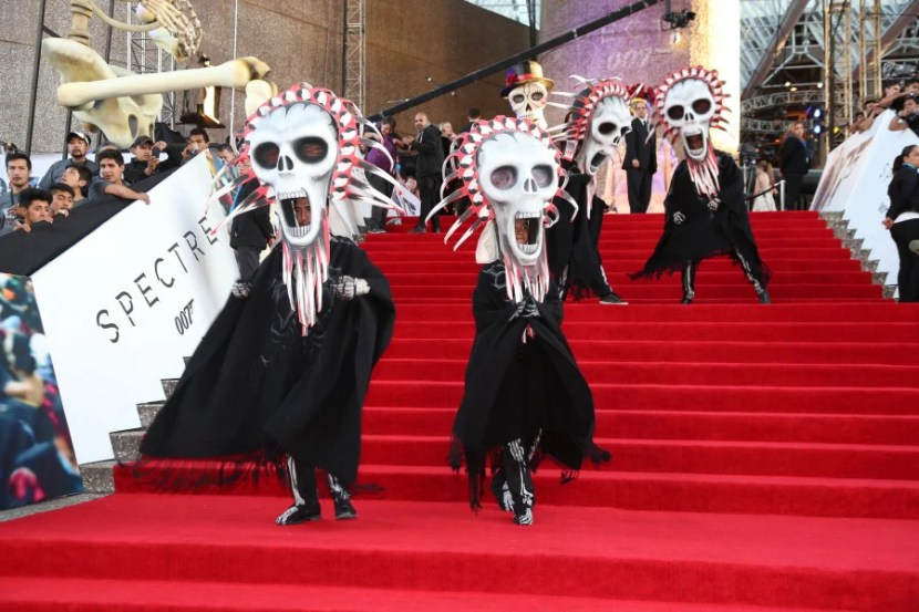 Dancers on the red carpet to get everyone ready for the Premiere.