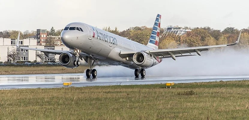 American Airlines A321 landing featured