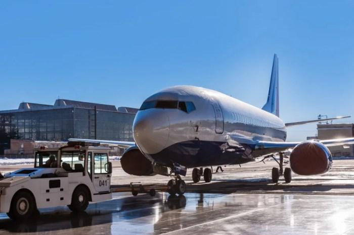 Aircraft pushback. Image courtesy of Shutterstock.