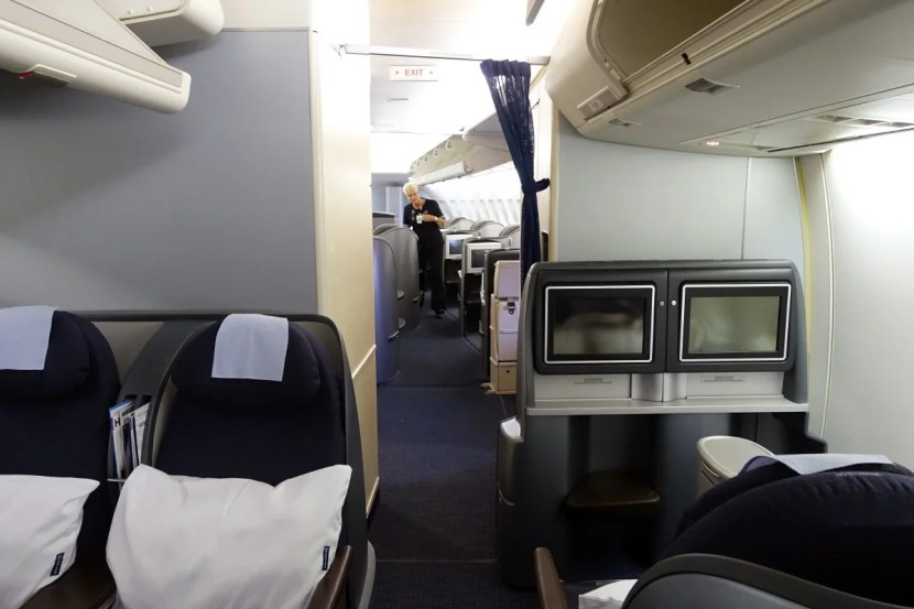 United 747 review