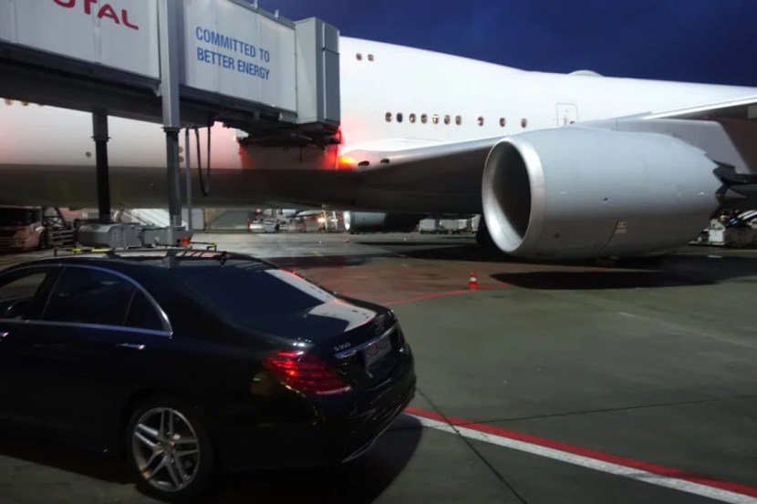 Lufthansa drove us to the 747-8 in Frankfurt.