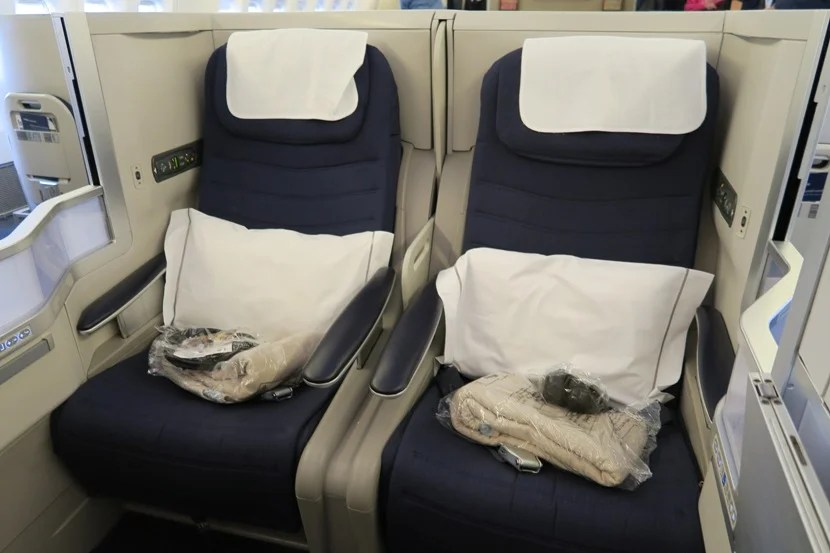 The pair of seats in the middle of each row are great for couples travelling together.