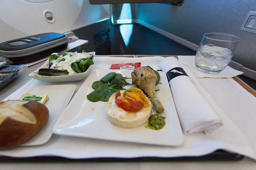 The starters on this flight were rather lacking: bland appetizer, lackluster salad, and cold bread.