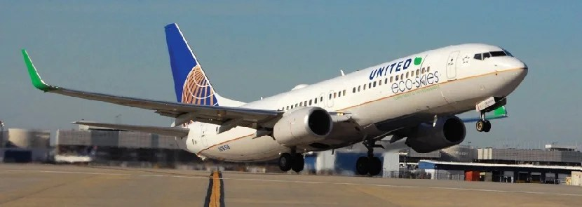 United Plane taking off eco-skies banner