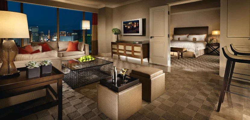 mandalay bay vegas hotel featured