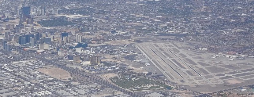 Vegas, baby! On the left, the strip; on the right, McCarran Airport. We'd see this view again after an aborted landing attempt.