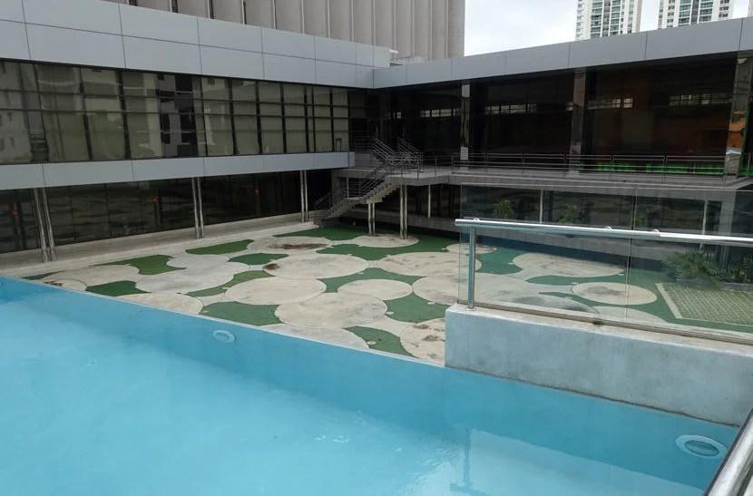 Aloft-Pool-View2