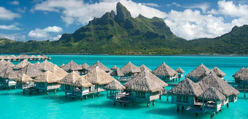 Starpoints can make for fantastic redemptions at world-class hotels like the St. Regis Bora Bora. Image courtesy of SPG.