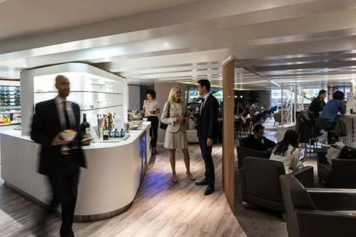 "Paris has some spectacular lounges, and this is one of them. Image courtesy of <a href=""https://www.prioritypass.com/en/loungesearch?entity=08affe9c-10ba-4ae4-af5b-52eedfd71aee"">Priority Pass.</a>"