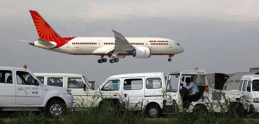"""NEW DELHI, INDIA - SEPTEMBER 8: New member of Air India fleet the advanced Boeing 787 Dreamliner touched down at IGI airport on September 8, 2012 in New Delhi, India. (Photo by Raj k Raj/Hindustan Times via Getty Images)"""