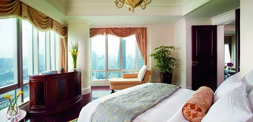IMG Ritz-Carlton Guangzhou room featured