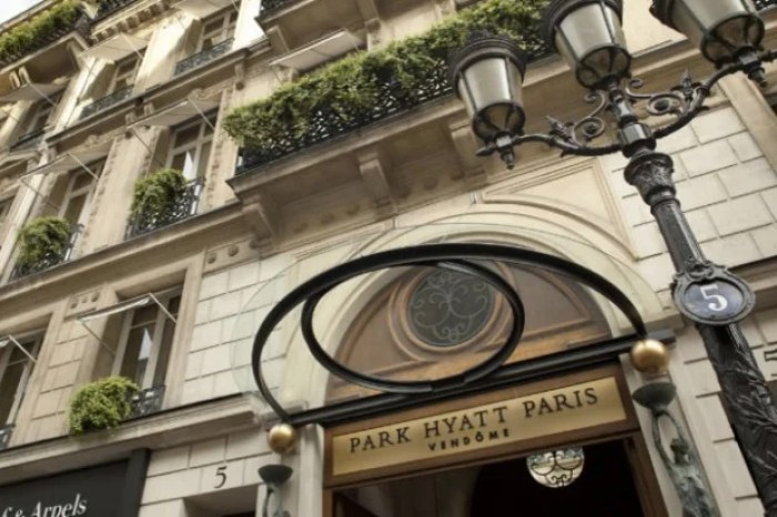 The Park Hyatt Paris-Vendôme, a top-tier Category 7 Hyatt property.