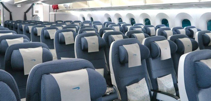 ba-787-9-coach-feat