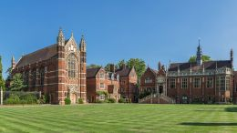 Selwyn_College_Old_Court,_Cambridge,_UK_-_Diliff