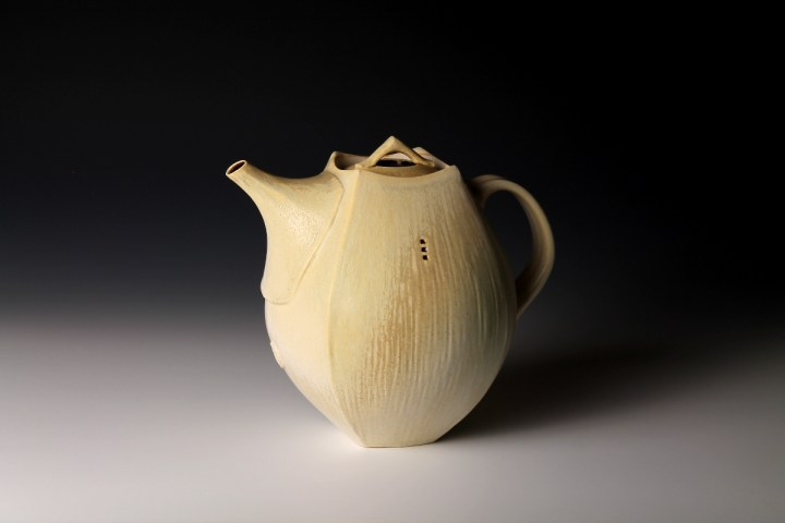 Nick DeVries tan teapot