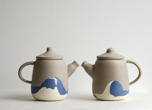 helen-levi-beach-teapots