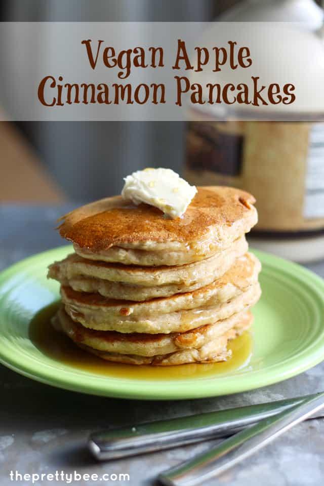vegan apple cinnamon pancakes - an easy and tasty recipe from theprettybee.com