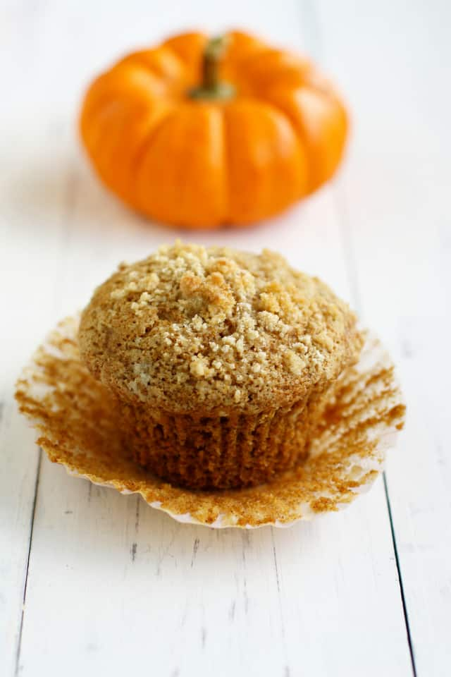 Pumpkin Muffins with Streusel Topping. - The Pretty Bee