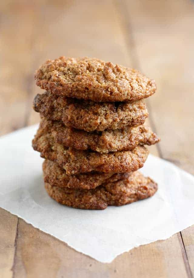 Chewy and flavorful almond meal cookies. A great cookie for snacking! #glutenfree #vegan
