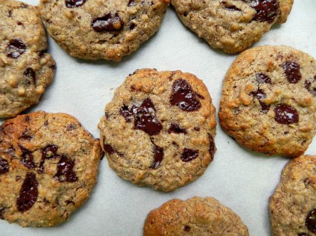 Almond-Butter-Chocolate-Chip-Cookies-@cearaskitchen-glutenfree-vegan-flourfree-dairyfree-healthy