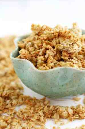 The best banana coconut granola recipe! Delicious and easy to make. #vegan
