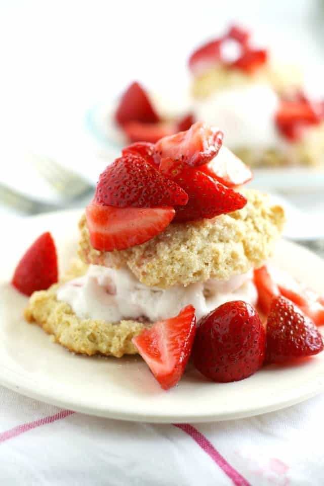 The best and easiest vegan strawberry shortcake recipe! Simple and perfect for summer. #vegan