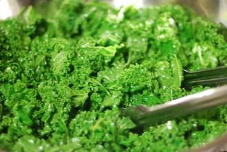 Paleo Jalapeno Cheddar Kale Chips - www.ThePrimalDesire.com