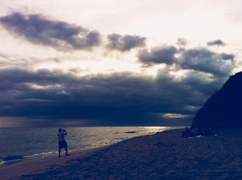 hawaii life, living in hawaii, thereafterish, things to see in Hawaii, Diamond Head Beach, Cloud pictures, hawaii sunset
