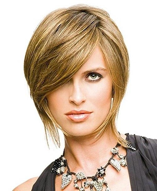 Cascade haircut with an oblique fringe