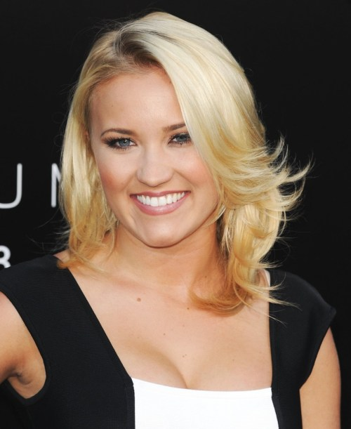 Emily Osment medium shag haircut