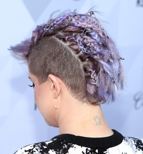 Kelly Osbourne Mohawk with safety pins