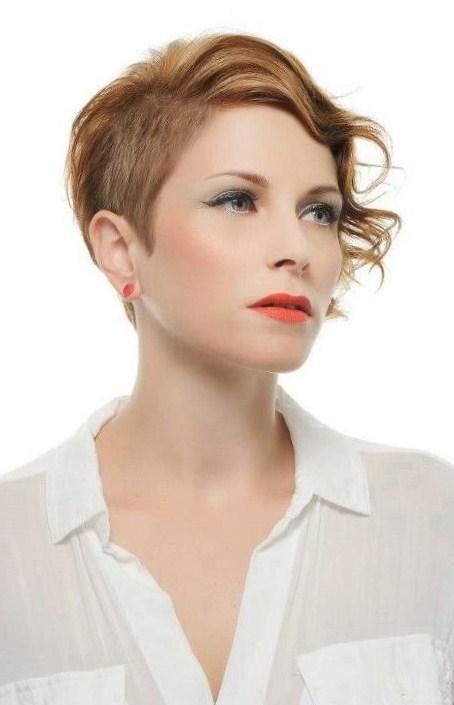Watch Christina Hendricks Medium, Wavy Hairstyles 2013 video