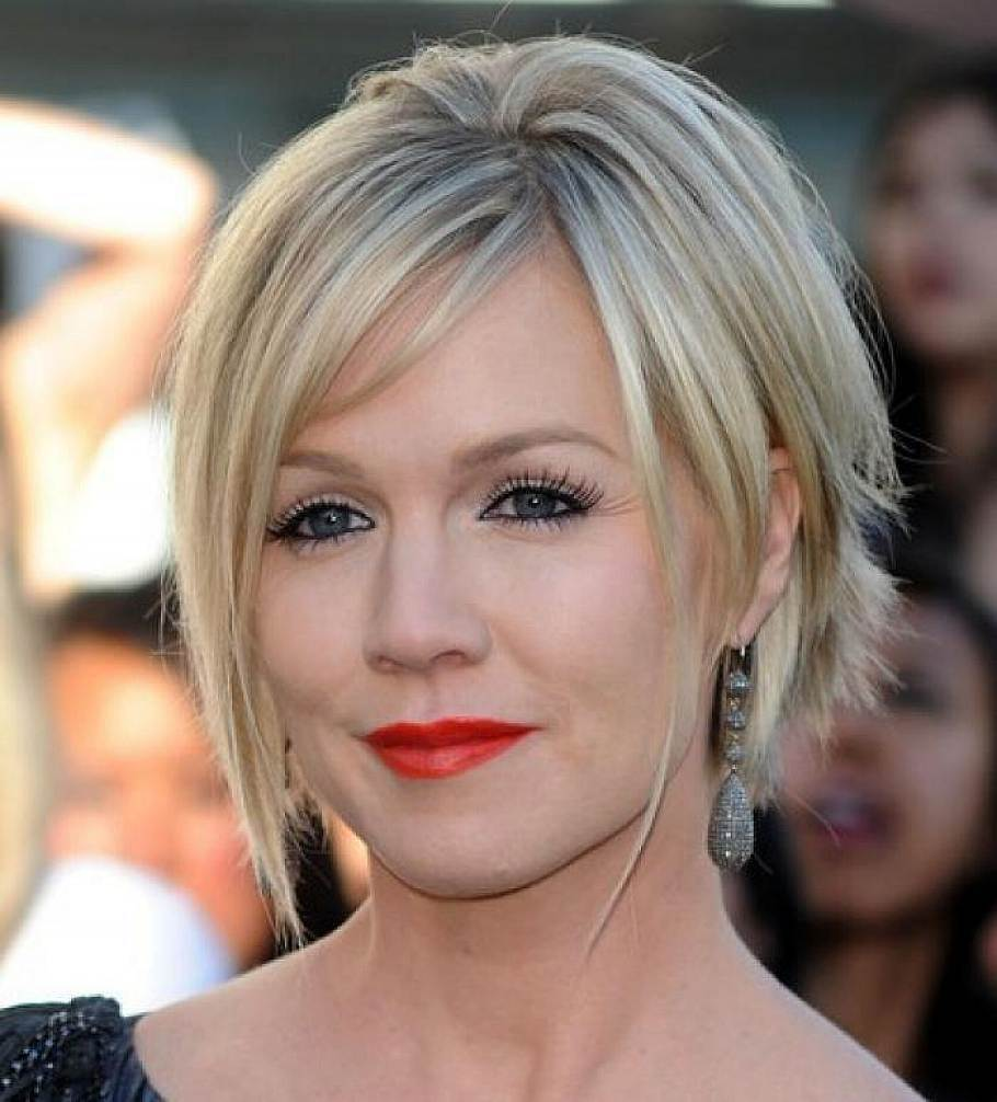Jennie Garth choppy bob