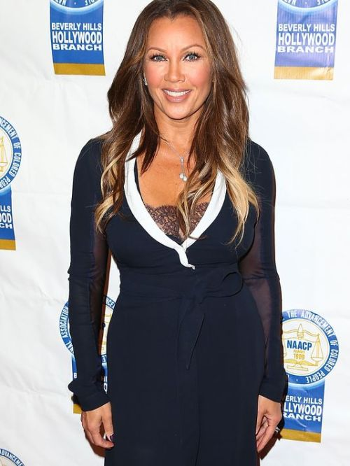 Vanessa Williams hairstyle with highlights for women over 50