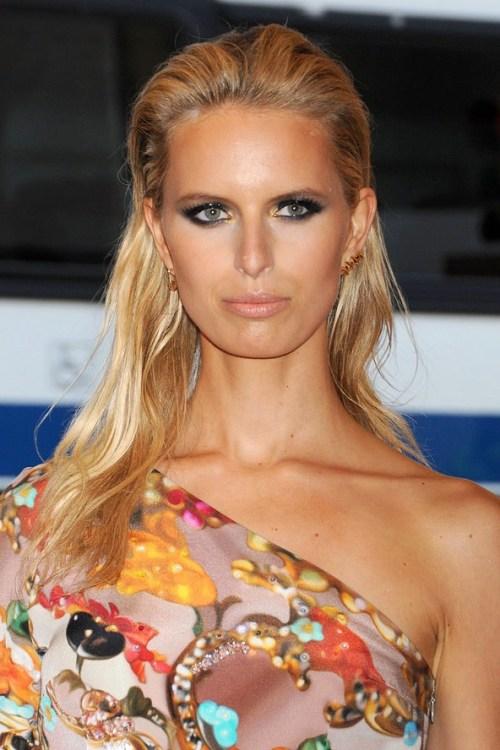 Karolina Kurkova hairstyle for medium fine hair