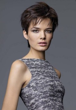 Hairstyles Short Haircuts T He Hair On Top To Give A Rough Texture ...