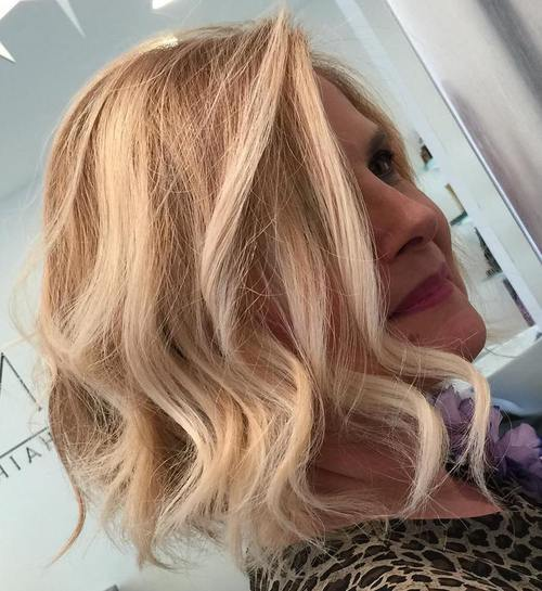 wavy bob hairstyle for mature women