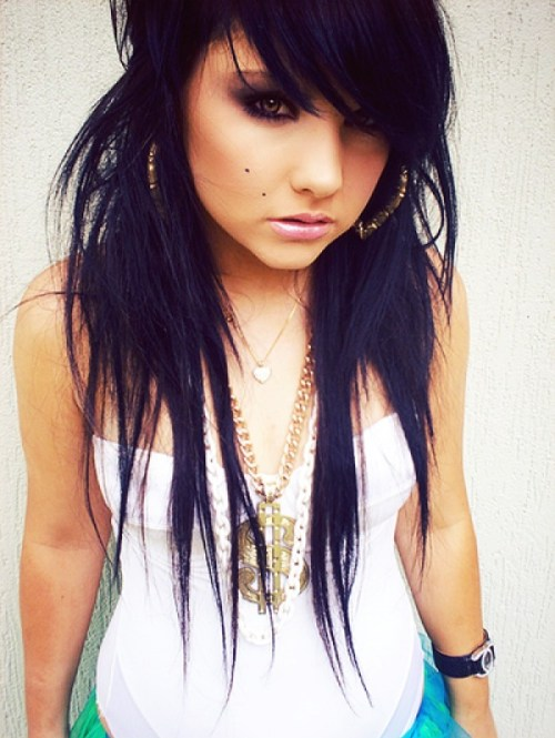 long edgy emo hairstyle for girls