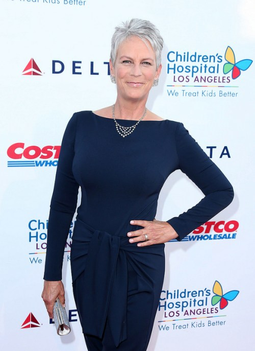 Jamie Lee Curtis short grey hairstyle