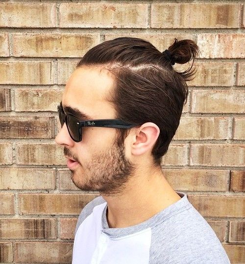 top knot men's hairstyle