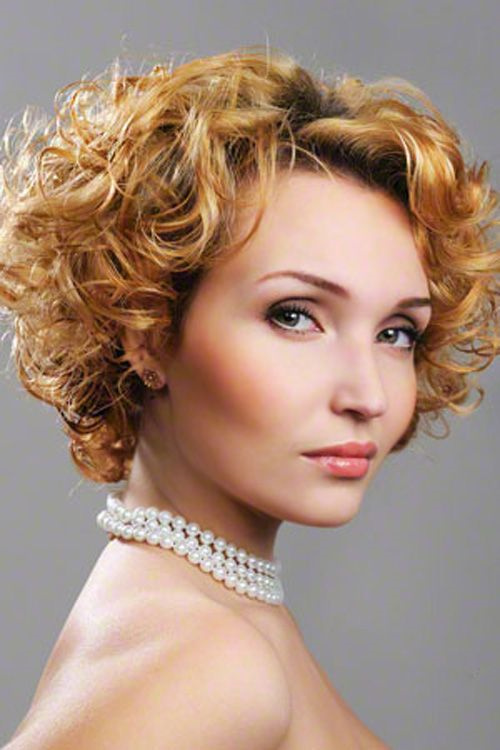 hairstyle women curly - photo #21