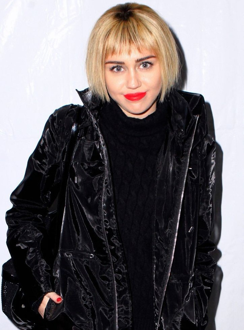 Miley Cyrus cropped bob