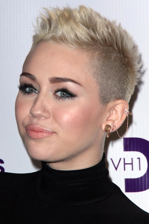 Miley Cyrus extra short haircut