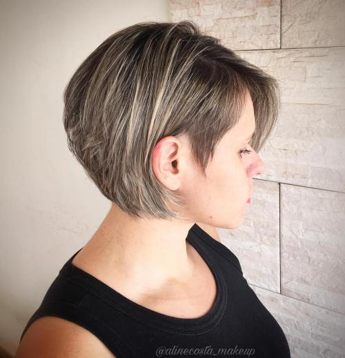 Inverted Bob With Highlights For Thin Hair