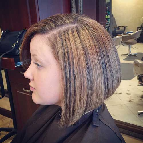 collarbone bob with highlights