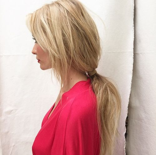 messy blonde ponytail for long hair