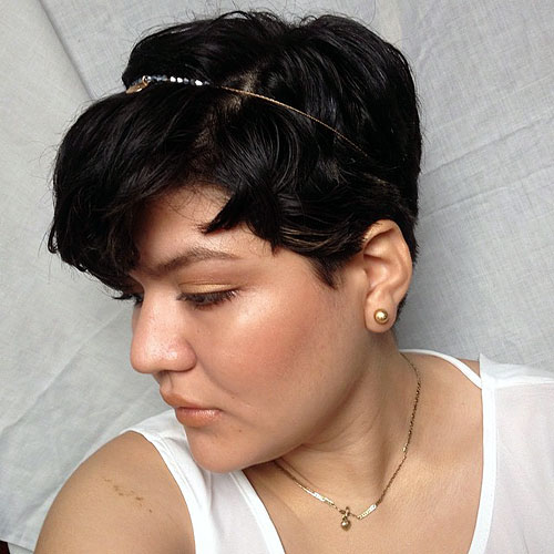 pixie haircut for wavy hair