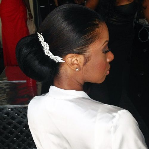 sleek chignon for black women